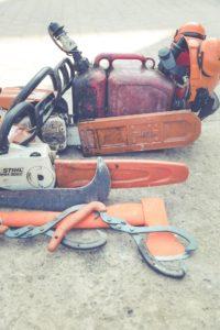 chainsaw 1500487 1920 200x300 - Kettensäge: Vergaser reinigen